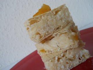 Fehér ostyaszelet kókuszos-kandírozott narancsos töltelékkel – VKF! 49. fordulójára