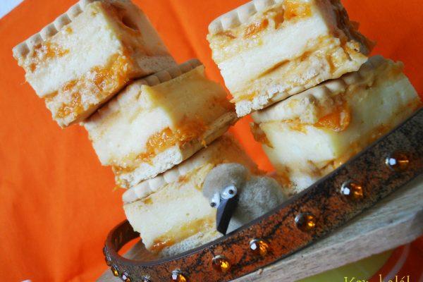 Sárgabarackos kekszes krémes sütés nélkül