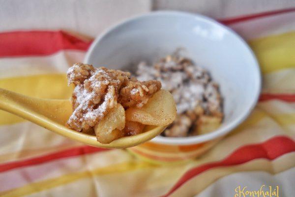 Mikrós almás crumble – morzsasüti 5 perc alatt