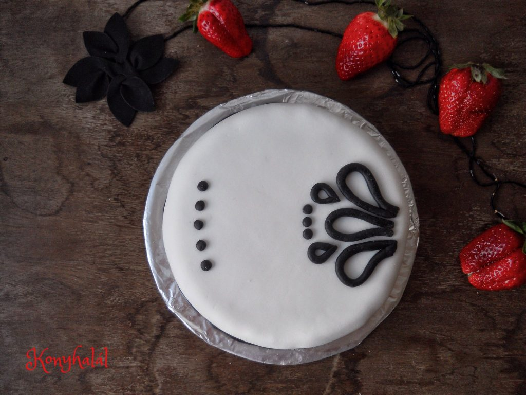 Black and white cake gesztenyetorta