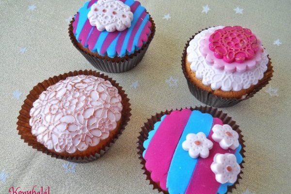 Vaníliás cupcake csoki ganache-zsal töltve