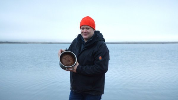 Az izlandi kenyeret gejzírben főzik