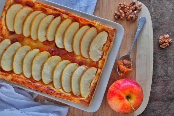 Extra gyors almás-leveles sütemény