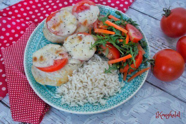 Mozzarellás-paradicsomos csirkemell