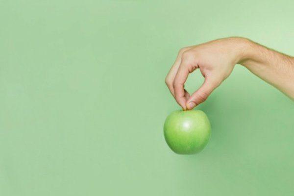 Egyél egy almát és kiderül a jövőd – babonák, hiedelmek az almával kapcsolatban
